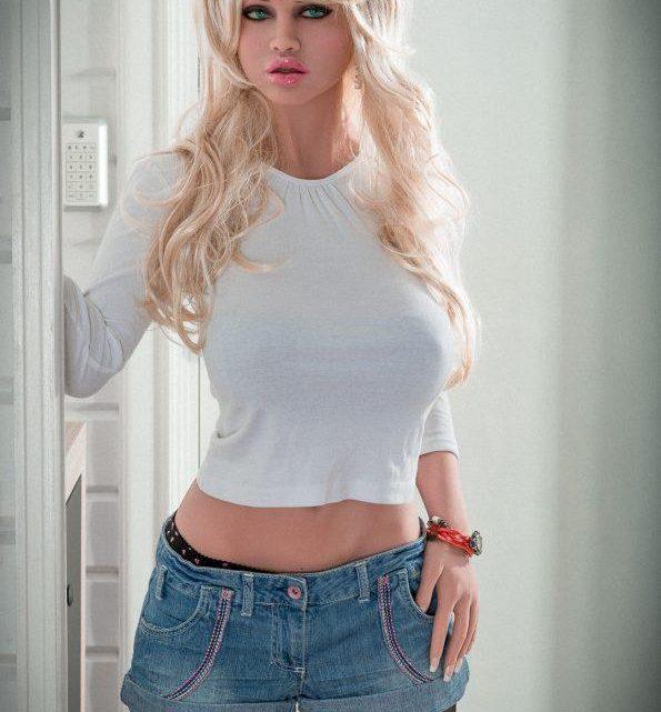 Sexdoll blonde